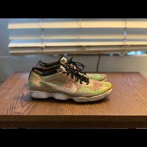 Nike multicolor flyknit zoom